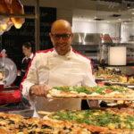 Cresce il consumo di pizza nel mondo: sempre più richiesti i pizzaioli