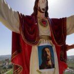 Favara. Sfregiato il volto della statua di Gesù in Via Saragat. Favara, cosa ti sta succedendo?