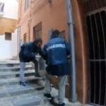 Proseguono i controlli nel centro storico. Trentatreenne arrestato per droga. Multato anche il gestore di un bar