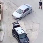 Lanciano droga dal finestrino dell'auto per evitare il controllo: due arresti a Menfi