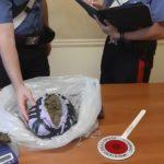 Beccato con quasi 1,5 kg di marijuana, arrestato dai carabinieri.