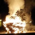 """Favara. Bruciata la barca El Peskador """"simbolo dell'immigrazione"""" (VIDEO)"""