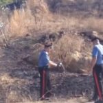 Arrestato un insospettabile piromane, pizzicato a Naro mentre appiccava le fiamme su un terreno agricolo