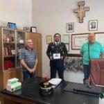 Favara. Il Tenente dei Carabinieri Giovanni Casamassima saluta Don Giuseppe D'Oriente
