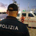 Continua senza sosta l'impegno della Polizia di Stato nel controllo dei flussi migratori a Lampedusa.