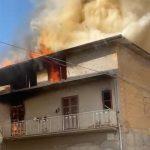Favara. Incendio divampa due piani: casa divorata nel giro di poche ore (VIDEO)