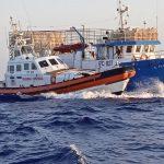LAMPEDUSA – soccorso un peschereccio in avaria che rischiava di affondare e tratto in salvo l'equipaggio.