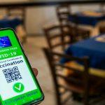 Green pass obbligatorio per tutti i lavoratori, via libera al decreto: cosa prevede